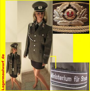 STASI Uniform Frauen